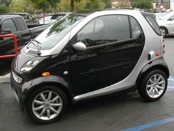 Daimler Chrysler Mercedes ForTwo Hybrid Almost a scooter