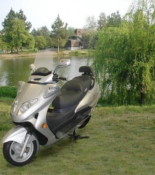 Touring Deluxe Scooter 150cc